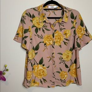 Nwot Just Fab floral blouse